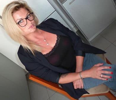frau-mit-brille