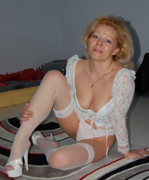 Cornelia-Hausfrau-Strapse